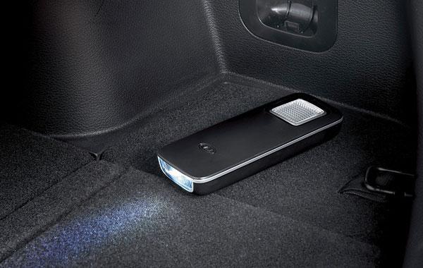 Полезная фишка — фонарик в багажнике